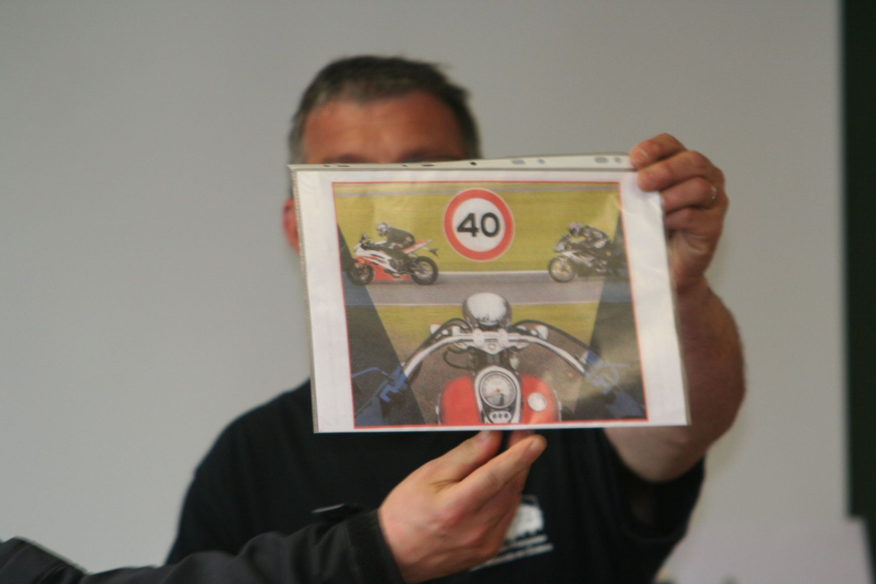 erj-2011-14